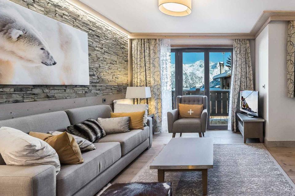 Résidence hôtelière Courchevel - chambre avec une belle vue sur la montagne -Mobilier résidence hôtelière