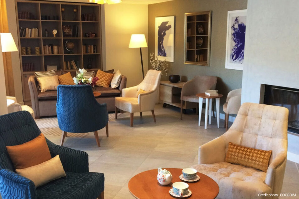 Mobilier pour EHPAD - Un bel espace détente dans une résidence senior.