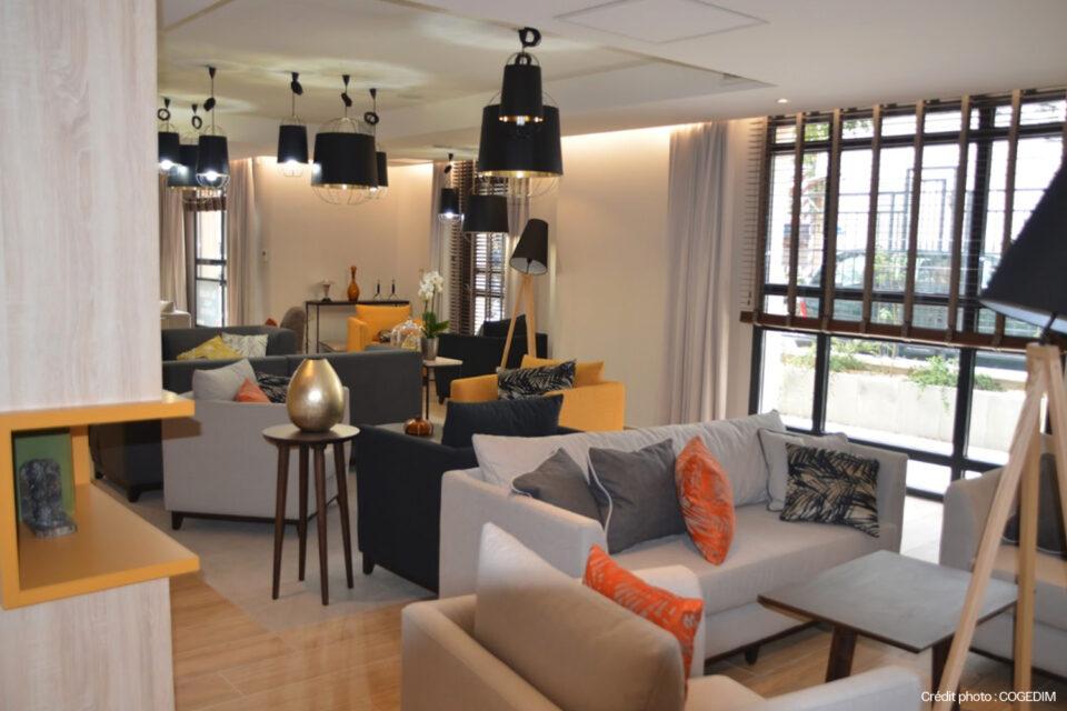 La salon d'une résidence senior à Suresnes - décoration EHPAD